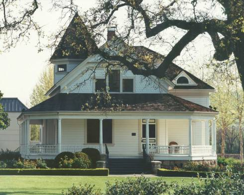 The Atkinson House at St. Supéry Vineyards. Photo courtesy of St. Supéry.